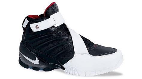 mike vick shoes another michael vick nike sneaker is a comeback