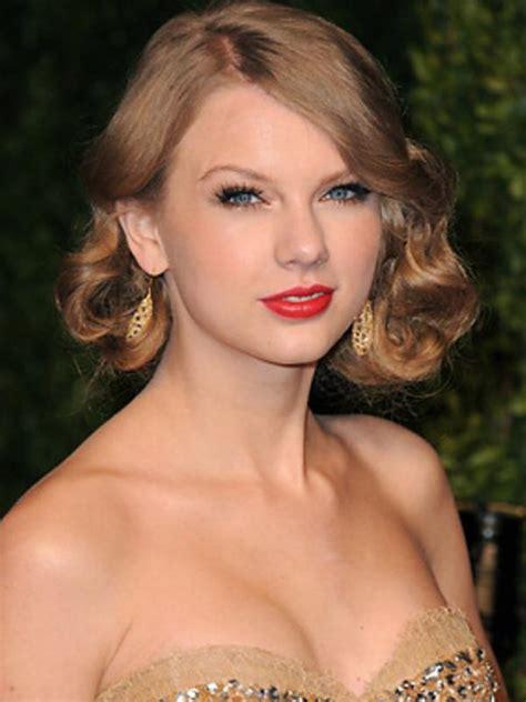 Model Rambut Yang Cocok Untuk Rambut Keriting by 10 Model Rambut Keriting Yang Cocok Untuk Berlibur Di
