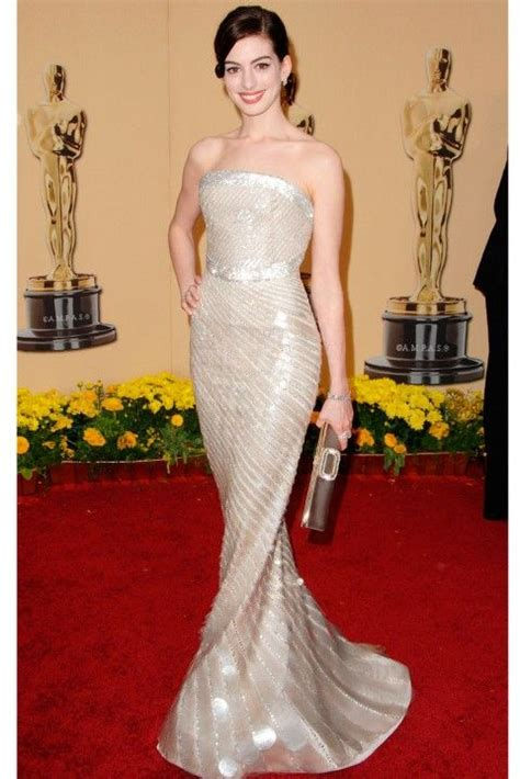 A Closer Look At The Oscars Hathaway by 12 Best Best And Worst Oscar Dresses Images On