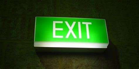 Lu Emergency Light 3 safety benefits of exit signs emergency lighting for