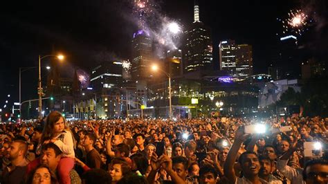 new year 2014 melbourne parade australia leads world in new year s with sydney