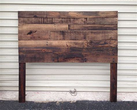 Wood Board Headboard by Best 25 Wood Headboard Ideas On Rustic Wood