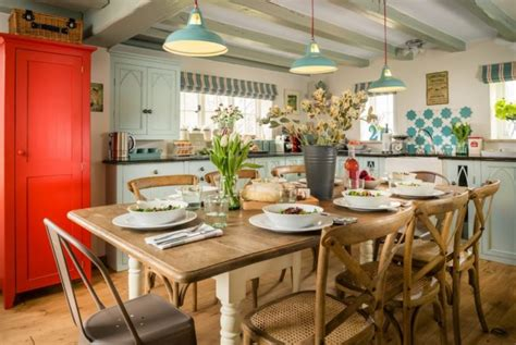 english countryside house breathing  style
