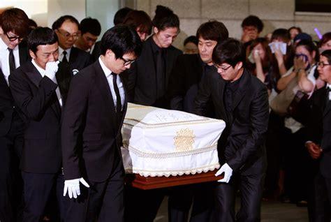 so ji sub funeral funeral held for south korean actor park yong ha zimbio