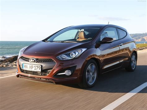 Three Doors by Hyundai I30 3 Door 2013 Pictures Information Specs