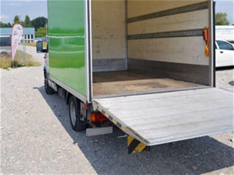 Anh Nger Mieten Luzern by Lieferwagen Mieten Transporter Mit Hebeb 252 Hne Und
