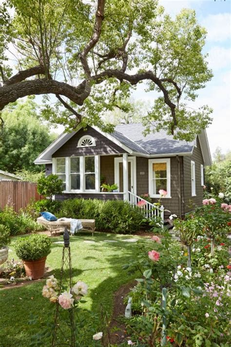 great backyard cottage ideas that you should not miss
