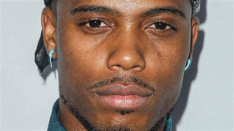 rapper b o b thinks earth is flat calls those who