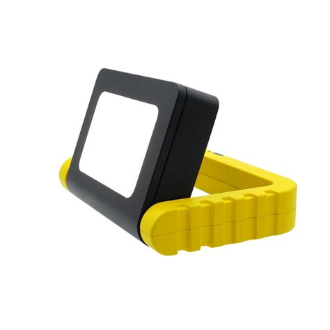 battery operated work light arlec 5w led portable battery operated work light
