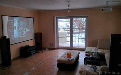 beamer im wohnzimmer wohnzimmer beamer heimkinowohnzimmer tv wohnzimmer