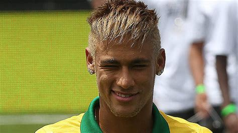 neymar haircut with hair falling down over his forehead neymar hairstyle and haircut