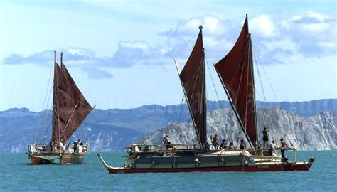 canoes nz double hulled voyaging canoes gisborne 2000 pacific