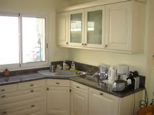 evier cuisine granit noir vier de cuisine en inox sous un