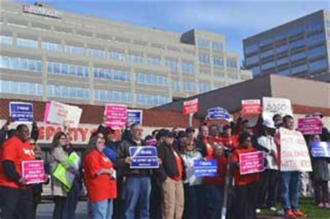 T Mobile Corporate Office by Workers Rally To Protect T Mobile Call Center