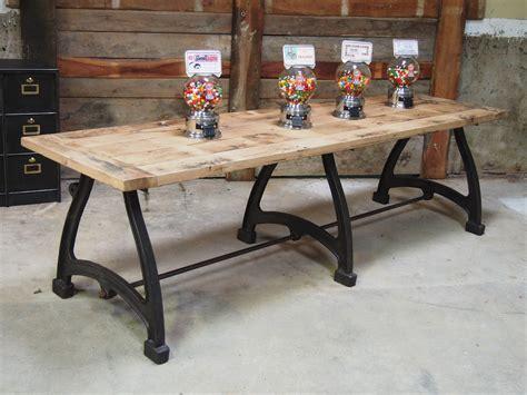 table en fonte tres grande table industrielle plateau chene massif 3 pieds fonte