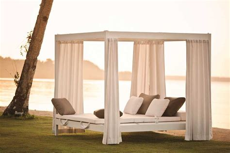 Outdoor Cabana Bed by Outdoor Cabana And Daybed Beautiful Backyard Cabana The Home Decor Ideas