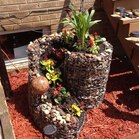 31 Diy Awesome Garden Ideas With Pots And Rocks Gardenoid Diy Rock Garden