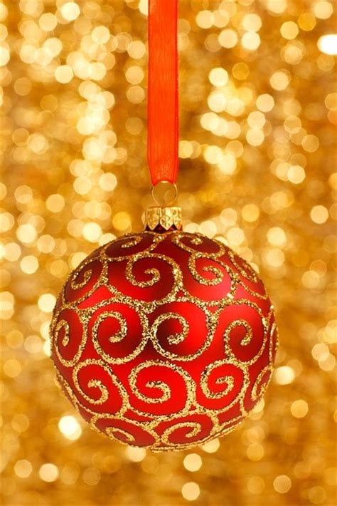 Christmas Dinner Table Centerpieces - 32 amazing red and gold christmas d 233 cor ideas digsdigs