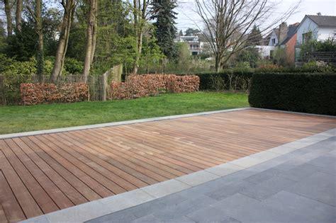 terrasse en bois sur fond mobile de piscine mt design