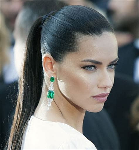 adriana lima cool short hairstyles for women adriana lima hairstyles photos hottest celebrity