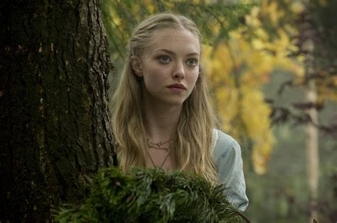 amanda seyfried in movies red riding hood movie images starring amanda seyfried