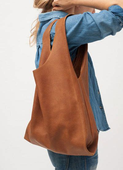 Could This Zip Shoulder Bag From Bulga Be The Next It Bag 2 by 92 Best Leather Totes Images On Leather Totes