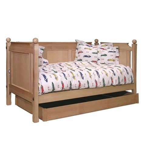 Daybed For Boys 1000 Images About Daybeds For Boys On White Daybed Day Bed And Mattress