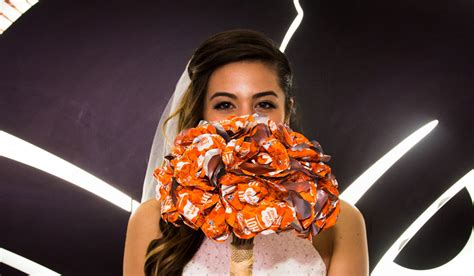 Wedding Bells Vegas by Taco Bell Is Now Offering Service Weddings In Vegas