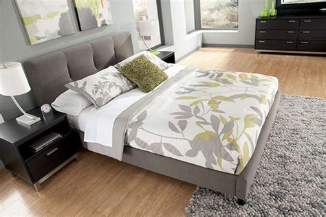 masterton queen upholstered bed marjen  chicago chicago discount furniture