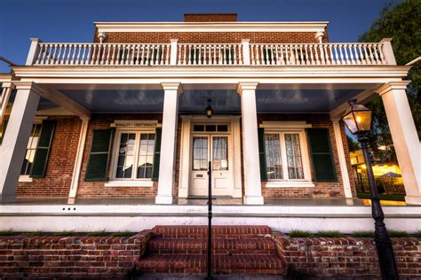 the whaley house the world s most haunted houses