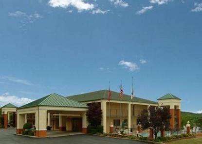 comfort suites rogers ar comfort inn clarksville deals see hotel photos