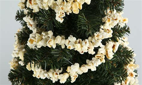 how to string popcorn on christmas tree kitchen friendly crafts epicurious epicurious