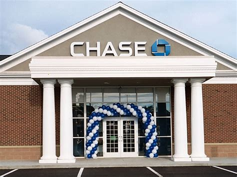 chaise bank 301 moved permanently