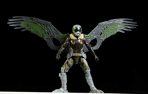 Marvel Homecoming 15cm Vulture review and photos of homecoming spider vulture marvel