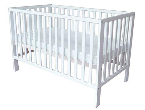 5 stylish baby cots under 400