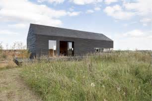 10 modern houses inspired by barns design milk