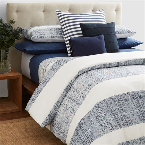 Calvin Klein Simple Comforter by