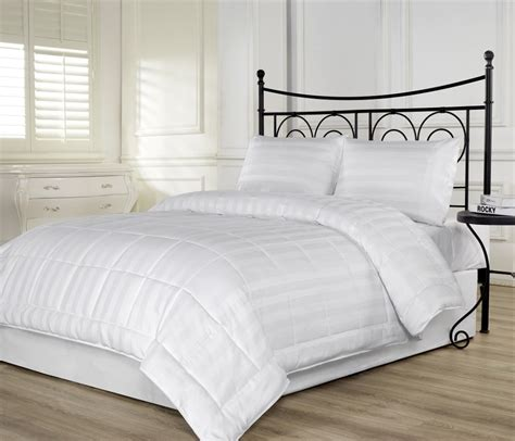 lightweight down comforter queen vikingwaterford com page 26 stylish 3 piece queen