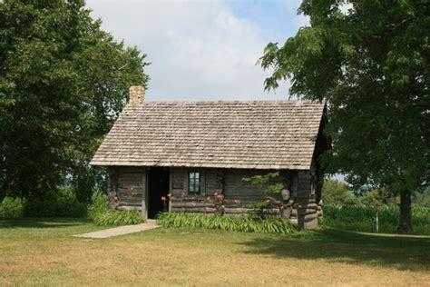 laura ingalls wilder house little house wayside birthplace of laura ingalls wilder photo