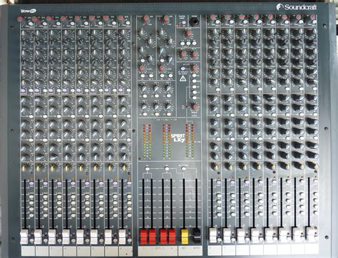 Mixer Soundcraft Spirit Lx7 24 Cnl soundcraft spirit lx7 24 image 254486 audiofanzine