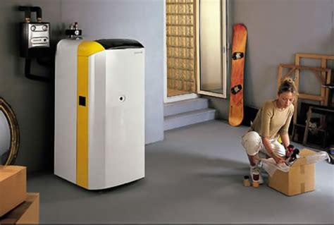 a a caldaia a gasolio a basamento a condensazione