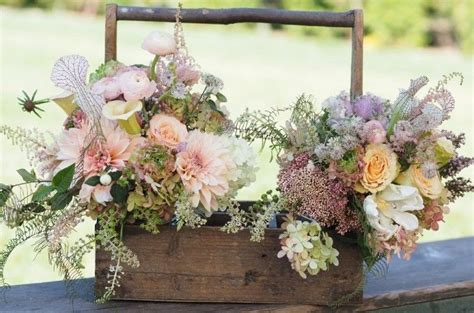 colors for late summer and early fall weddings flowers