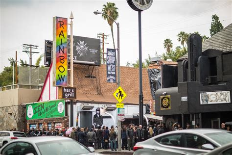 rainbow room sunset mot 246 rhead fans and friends paid tribute to lemmy at the rainbow bar grill his favorite los