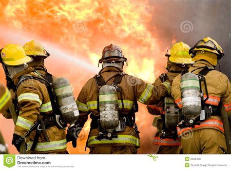 imagenes impresionantes de bomberos bomberos foto de archivo imagen 2533420