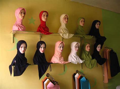 Partai Grosir Per 10 Pcs Gelang Tasbih 33 Kokka Kaukah Mardjan Kombi grosir perlengkapan muslim peci