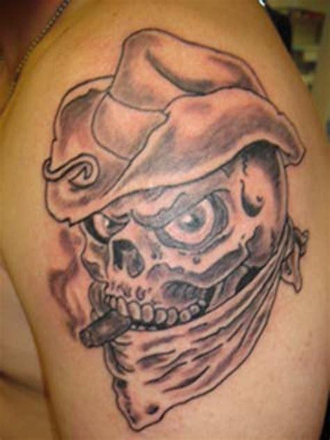 tato di punggung bawah tatto skull joprathosaripra