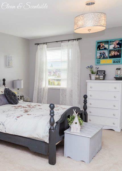 how to declutter a bedroom master bedroom 4 429x600 jpg