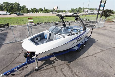 malibu boats knoxville malibu boats for sale in tennessee boats