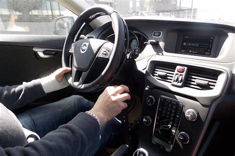 auto con comandi al volante per disabili acceleratore manuale per disabili ghost comandi al