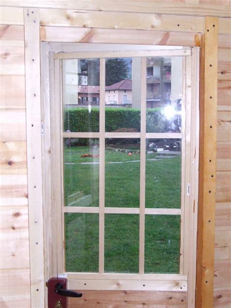 costruzione porta in legno casetta porta attrezzi in legno fai da te fardasefapertre